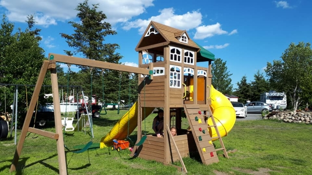 parc pour enfants, aires de jeux, camping ruisseau rouge