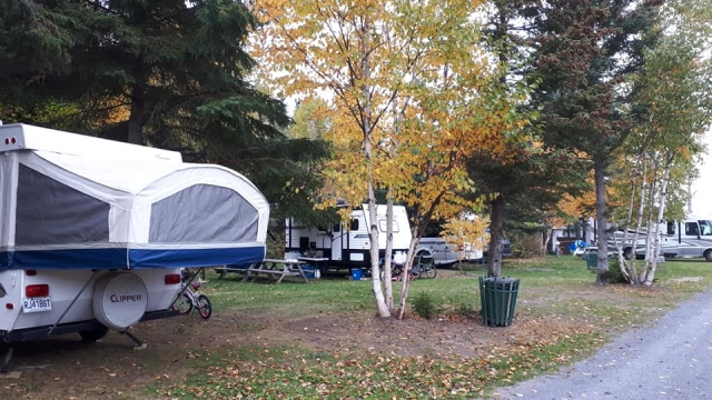 camping 2 services camping du ruisseau rouge isle-aux-coudres